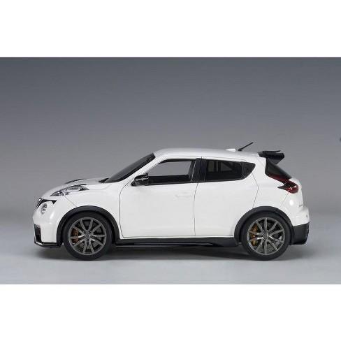 Nissan Juke R 2 0 White 1 18 Model Car By Autoart Target