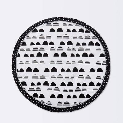 Round Activity Playmat Scallop - Cloud Island™ Black/White