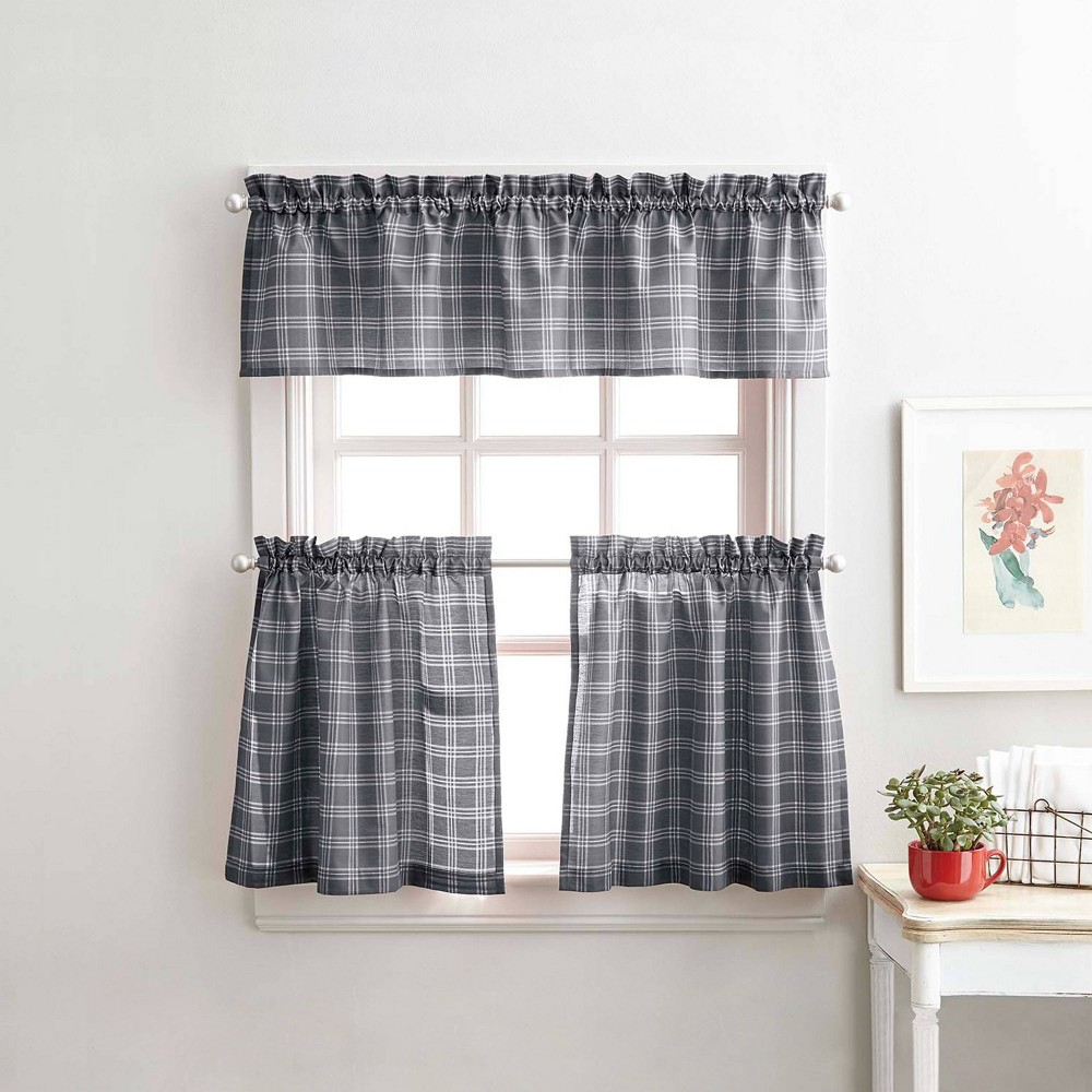 """Image of """"36"""""""" Lodge Plaid Tier Gray - CHF Industries"""""""