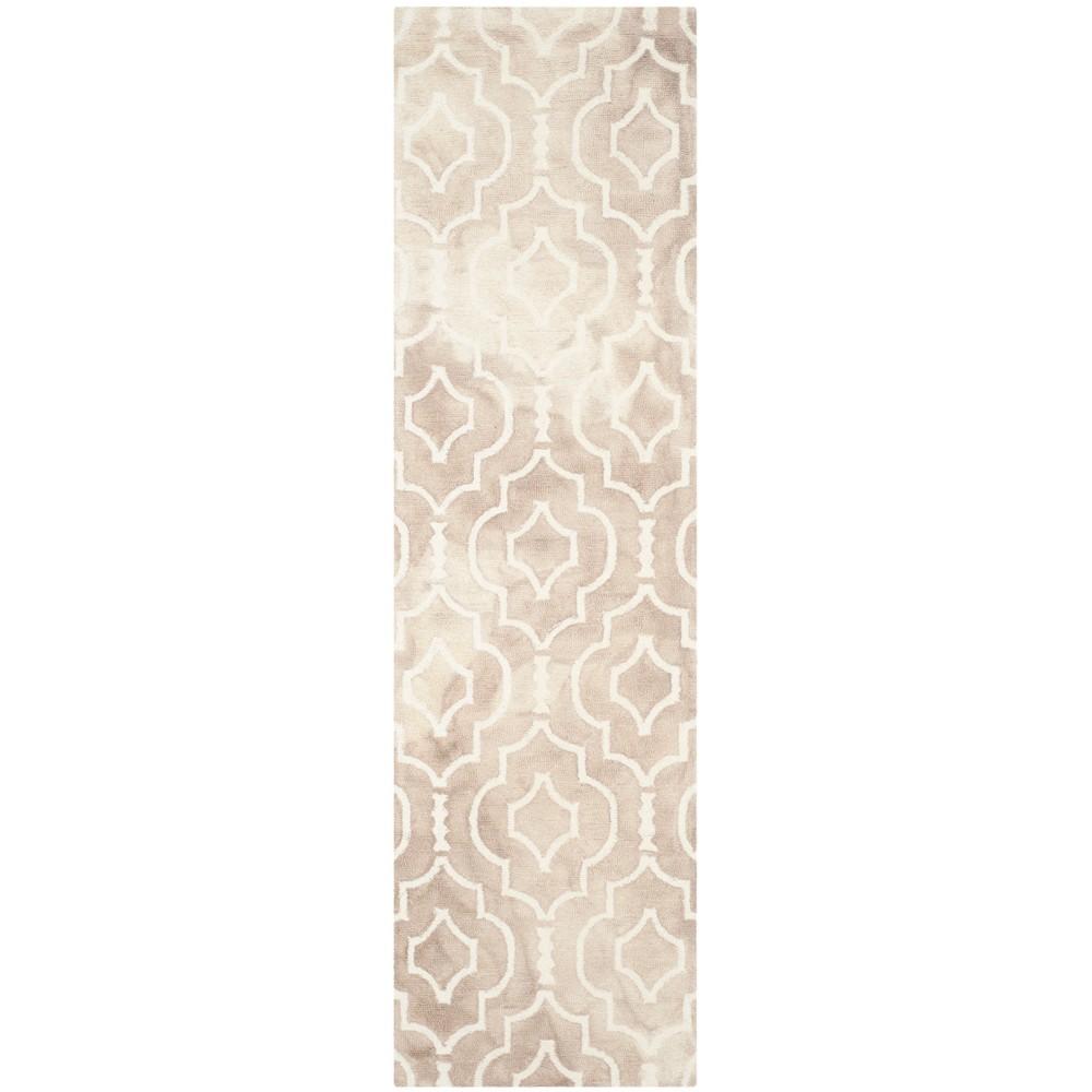 2'3X12' Quatrefoil Design Tufted Runner Rug Beige/Ivory - Safavieh