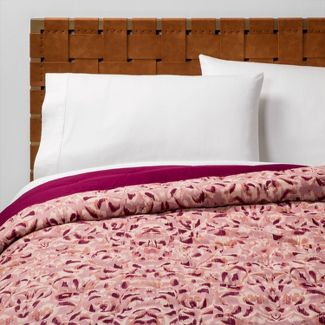 Twin/Twin XL Printed Quilt Magenta Ikat - Opalhouse™