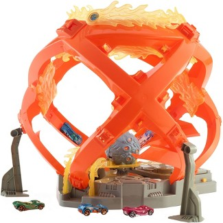 Hot Wheels Throwback Fireball Crash Playset