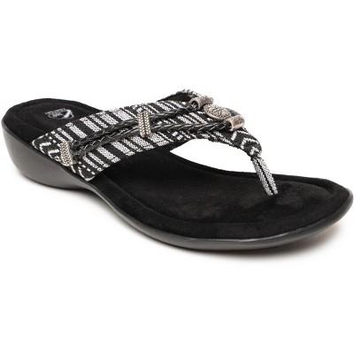 Minnetonka Women's Suede Silverthorne 360 Thong Sandals