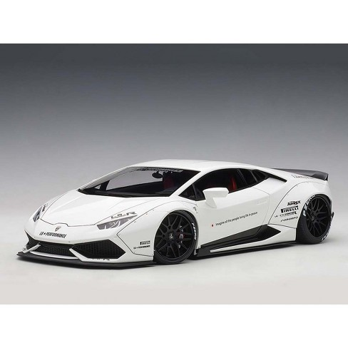 Lamborghini Huracan LB-Works White 1/18 Model Car by Autoart - image 1 of 4