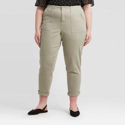 Women's Plus Size Mid-Rise Straight Leg Utility Ankle Pants - Ava &Viv™