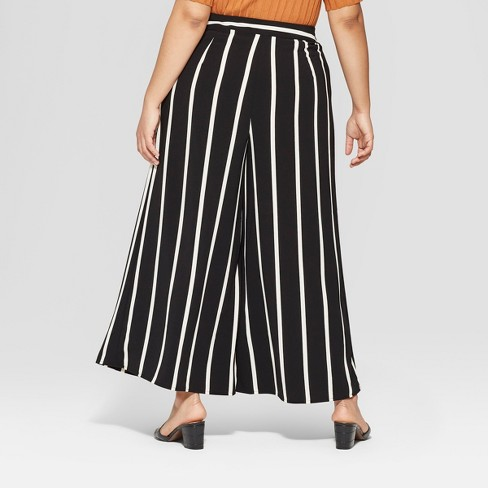 735a22ffbee Women s Plus Size Mid-Rise Wide Leg Palazzo Pants - Who What Wear ...