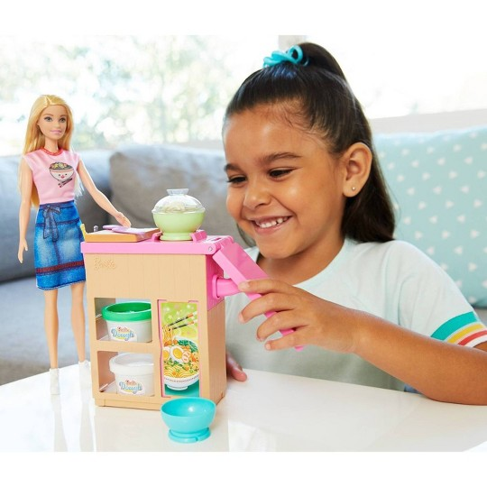 Barbie You Can Be Anything Noodle Maker Blonde Doll and Playset image number null