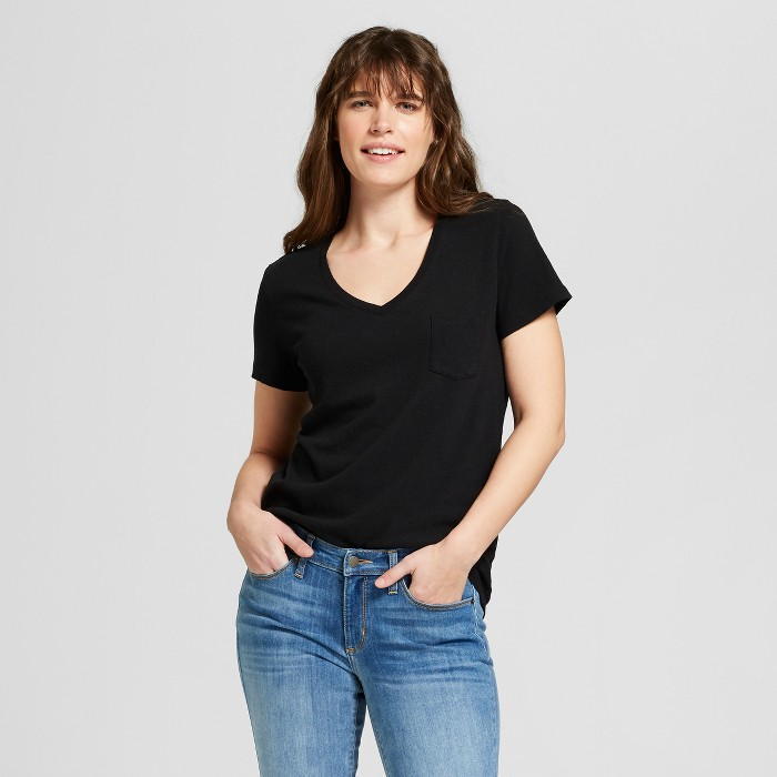 Women's Monterey Pocket V-Neck Relaxed Fit Short Sleeve T-Shirt - Universal Thread™ - image 1 of 3