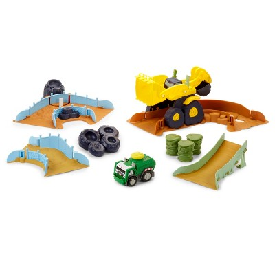 Little Tikes Slammin Racers Scrapyard Derby Track Set with Exclusive Car