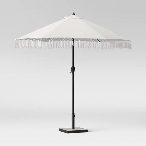 9 Round Fringed Patio Umbrella Linen