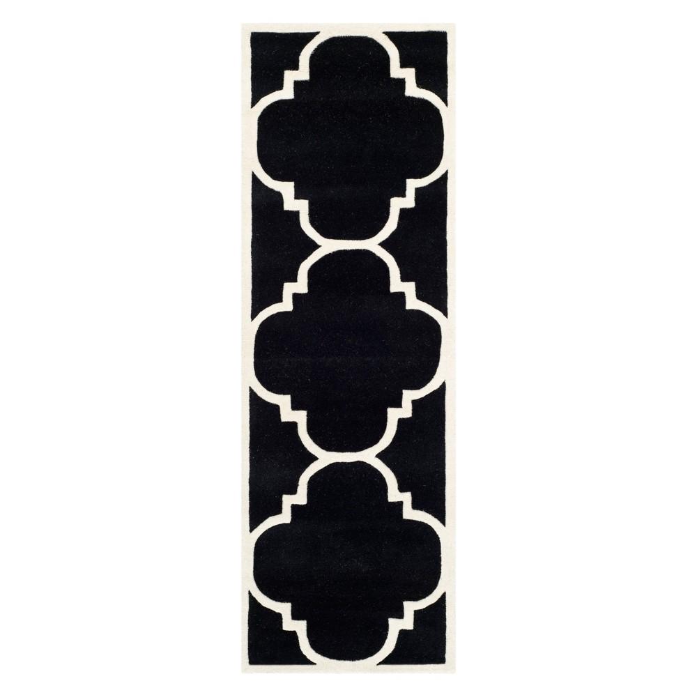 2'3X11' Quatrefoil Design Tufted Runner Black/Ivory - Safavieh