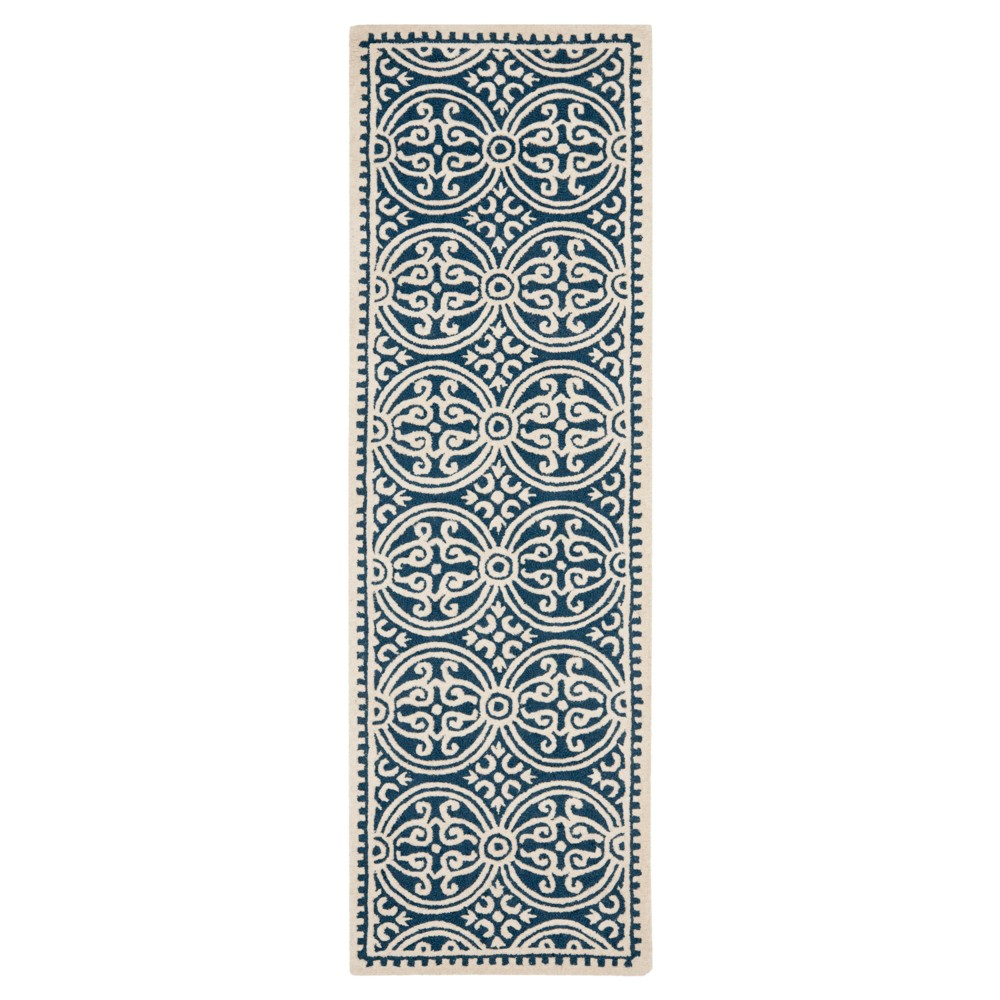 Navy/Ivory (Blue/Ivory) Geometric Tufted Runner 2'6X6' - Safavieh