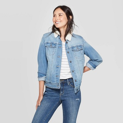 Women's Denim with Sherpa Jacket - Universal Thread™ Light Wash