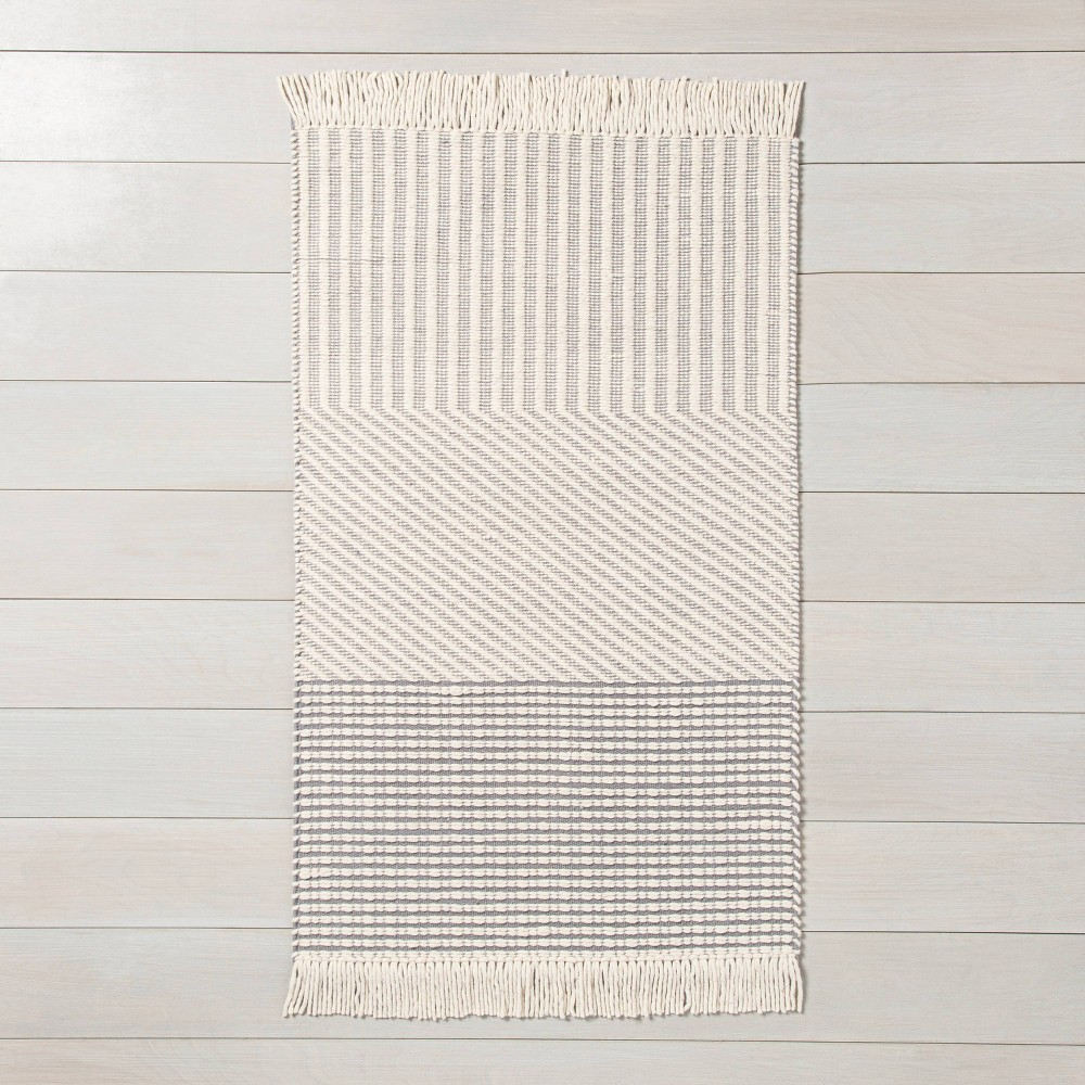 x 3' Tri-Patterned Area Rug Jet Gray / Sour Cream
