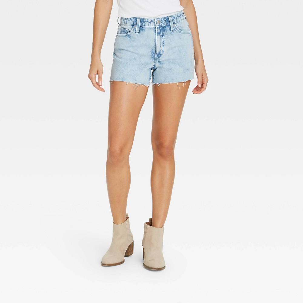 Women 39 S High Rise Jean Shorts Universal Thread 8482 Light Wash 6