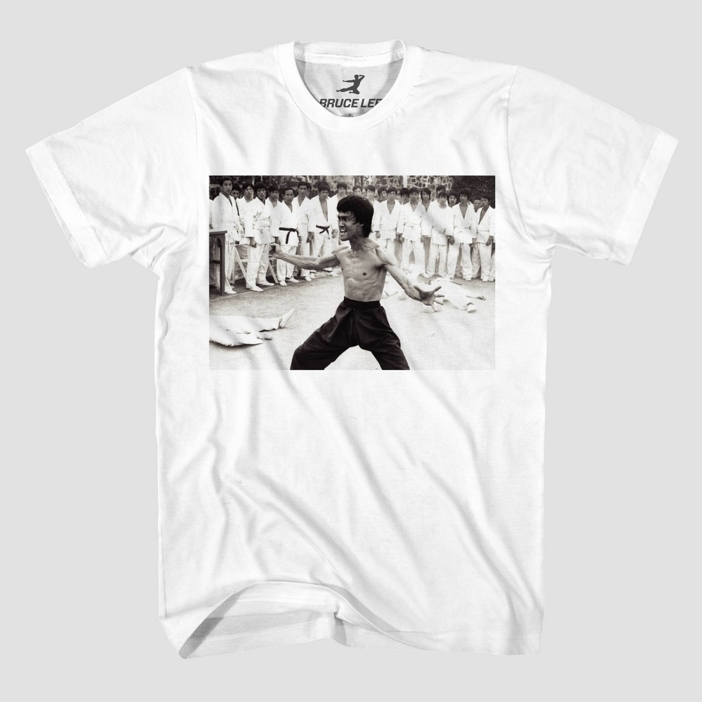 Image of Men's Bruce Lee Beats Everyone Short Sleeve Graphic T-Shirt - White 2XL, Men's