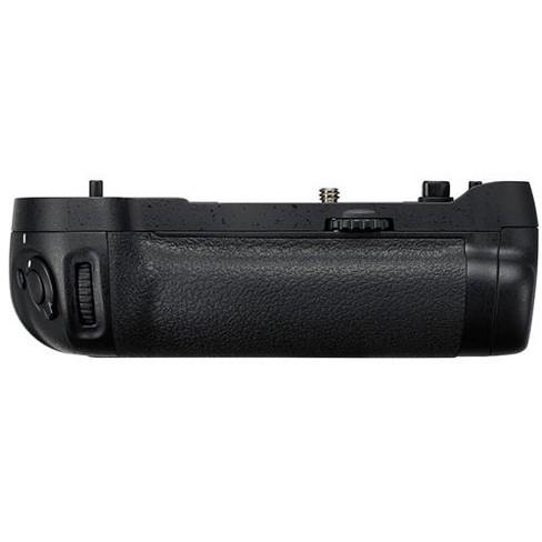Nikon MB-D17 Multi Power Battery Pack for D500 Digital Camera, Holds EN-EL15 Battery or 8 AA Batteries - image 1 of 2
