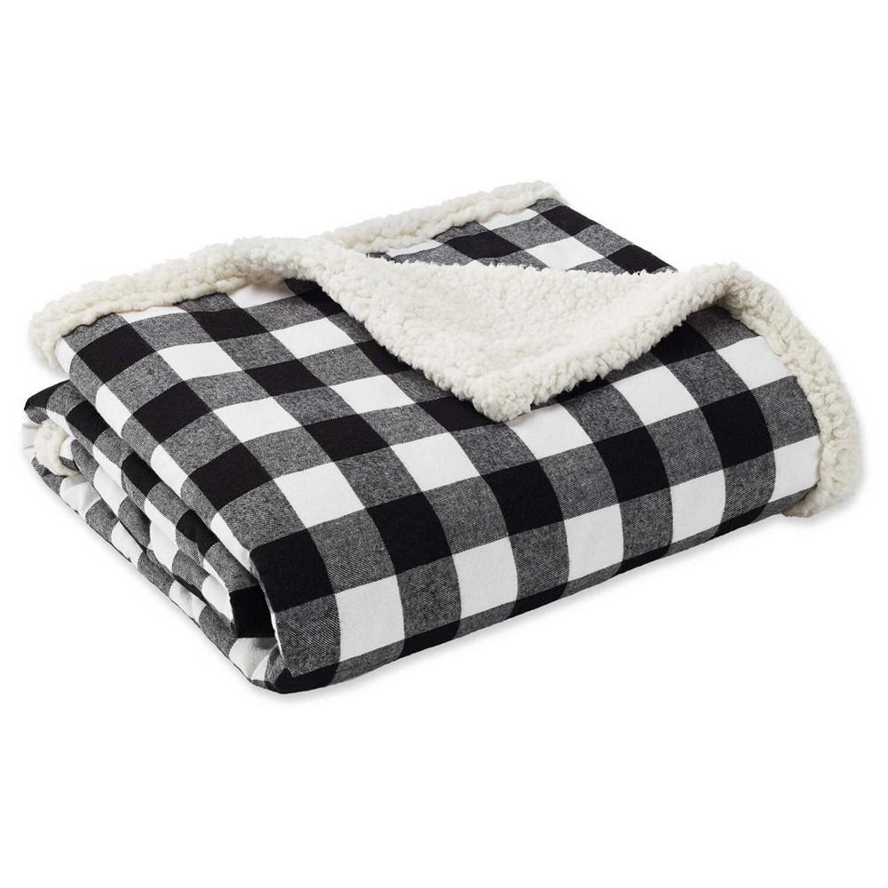 """Image of """"50"""""""" x 60"""""""" Cabin Plaid Throw Blanket Black/White - Eddie Bauer"""""""