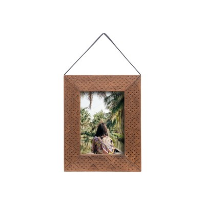 5 x 7 inch Etched Decorative Wood Picture Frame with Hanging Strap - Foreside Home & Garden