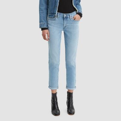 Levi's® Women's Mid-Rise Boyfriend Cropped Jeans