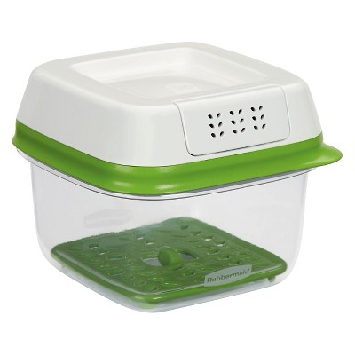 Rubbermaid 2.5 Cup FreshWorks Produce Saver Food Storage Container Green