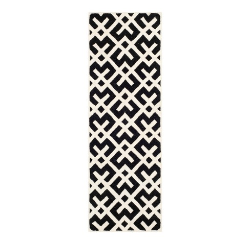 Wellfleet Tufted Rug - Safavieh - image 1 of 4