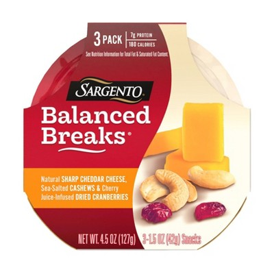 Sargento Balanced Breaks Natural Sharp Cheddar, Sea-Salted Cashews & Cherry Juice-Infused Dried Cranberries - 3pk/1.5oz