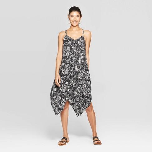 39bfbc05dac Women s Paisley Print Sleeveless Halter Neck Strappy Maxi Dress - Knox Rose™  Black