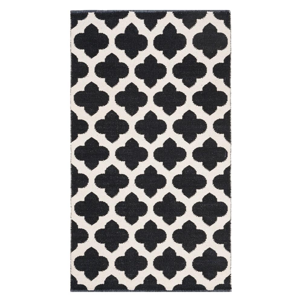 4'X6' Quatrefoil Design Woven Area Rug Black/Ivory - Safavieh