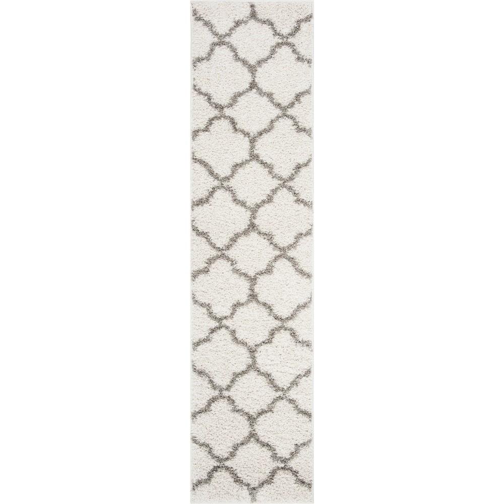2X8 Quatrefoil Design Loomed Runner Ivory/Gray - Safavieh Buy