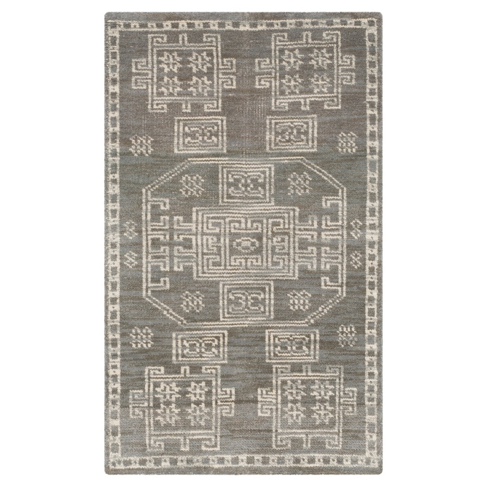 Gray Solid Knotted Accent Rug - (3'X5') - Safavieh