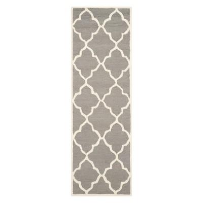 2'6 X12' Quatrefoil Design Runner Dark Gray/Ivory - Safavieh