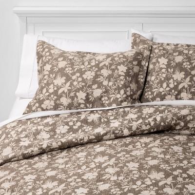 Full/Queen Family Friendly Floral Comforter & Pillow Sham Set Natural - Threshold™