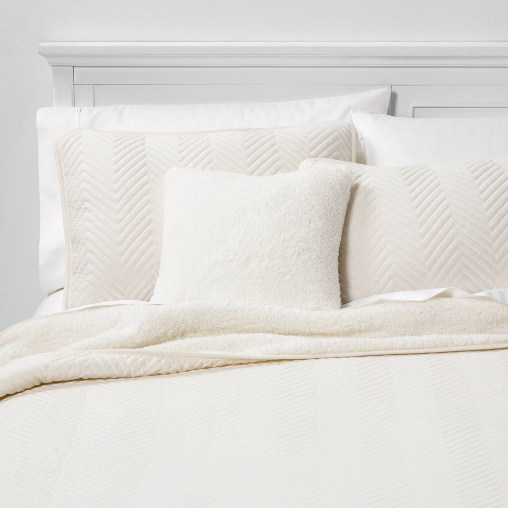Image of Calgary Full/Queen 4pc Sherpa Quilt Set Cream, Ivory