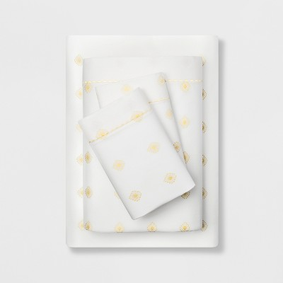 Queen 400 Thread Count Printed Cotton Performance Sheet Set White/Yellow - Opalhouse™