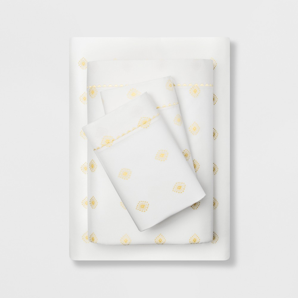 King 400 Thread Count Printed Cotton Performance Sheet Set White/Yellow - Opalhouse