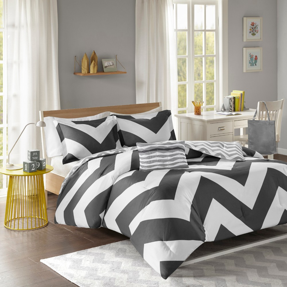 Leo Comforter Set, Black/White
