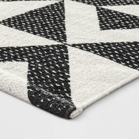 1 8 X2 10 20 X34 Geometric Woven Accent Rug Black White 153