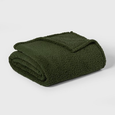 Twin/Twin XL Sherpa Bed Blanket Green - Room Essentials™