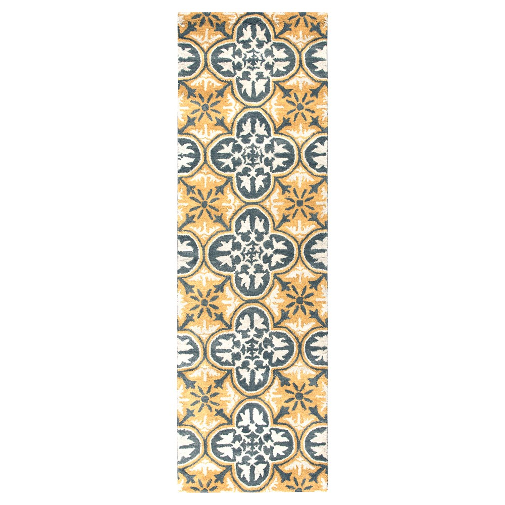 "Image of ""2'6""""X8' quatrefoil Design Runner Gold - Rizzy Home"""