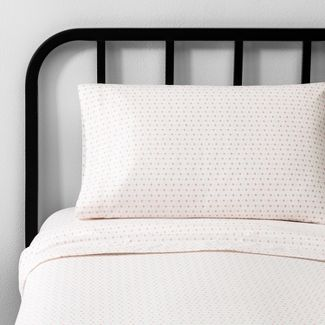 Twin/XL Sheet Set Diamond Dot Pink - Hearth & Hand™ with Magnolia
