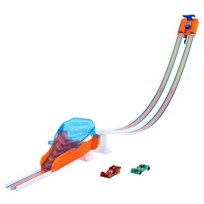 Hot Wheels Flying Customs Race and Jump Trackset