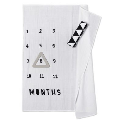 Muslin Blankets with Felt Frame Triangle - Cloud Island™ White/Black