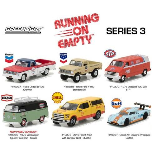 Greenlight 1:64 Running Empty Series 3 1979 VW Type 2 Panel Van Texaco