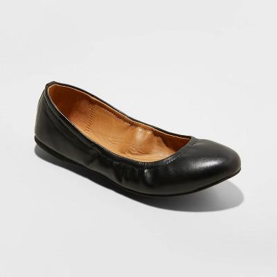 Women's Paulina Faux Leather Scrunch Ballet Flats - Universal Thread™ Black 8