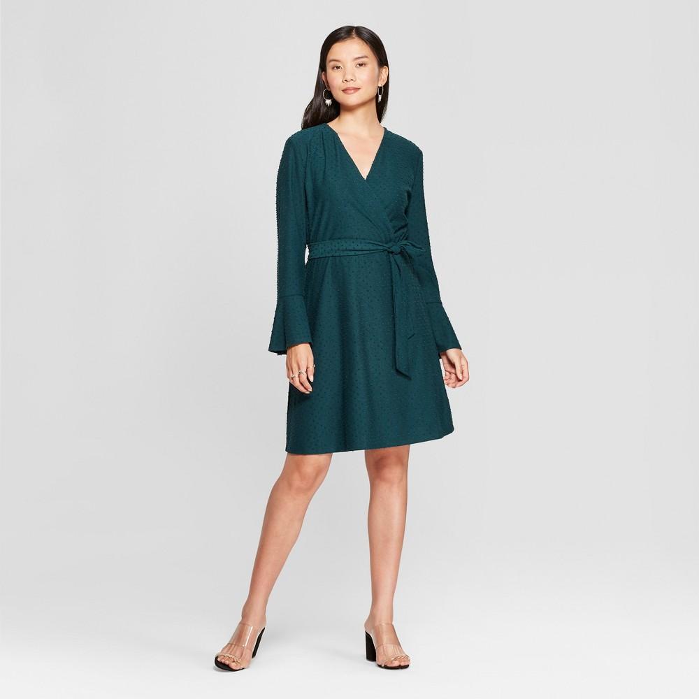 Image of Women's Bell Sleeve Clip Spot Wrap Dress - Spenser Jeremy - Green L, Size: Large
