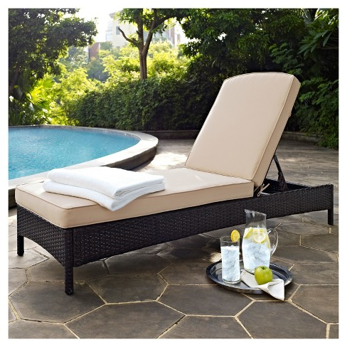 Palm Harbor Outdoor Wicker Chaise Lounge In Brown With Sand Cushions