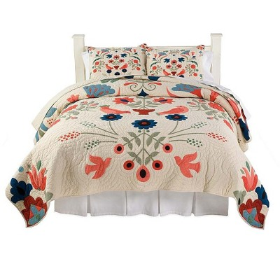 Full/Queen Ansley Folk Art Quilt Set in Cream