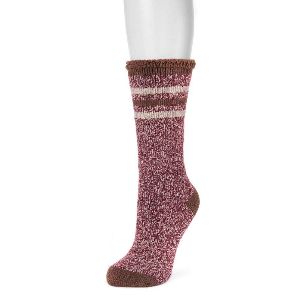 Women's Muk Luks 1-Pair Heat Retainer Thermal Striped Socks - Red One Size Keep your feet and ankles warm with these Heat Retainer Thermal Socks from Muk Luks. These women's crew socks retain heat, keeping you nice and toasty through the day and night. Whether you're relaxing at home or embarking on a cold-weather adventure, these socks will make the perfect addition to your cool-weather outfits. Size: One Size. Color: Red. Gender: Female. Age Group: Adult. Pattern: Stripe. Material: Acrylic.