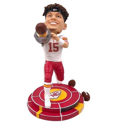 Forever Collectibles Kansas City Chiefs NFL 8 Inch Resin Bobblehead - Cannon Arm Patrick Mahomes